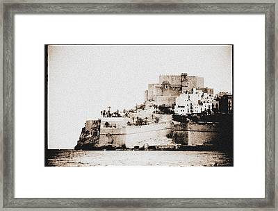 Castillo Del Papa Luna Peniscola Spain Framed Print by Hans English