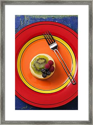 Cheesecake On Plate Framed Print by Garry Gay