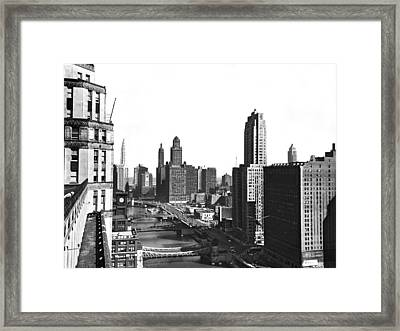Chicago River In Chicago Framed Print by Underwood Archives