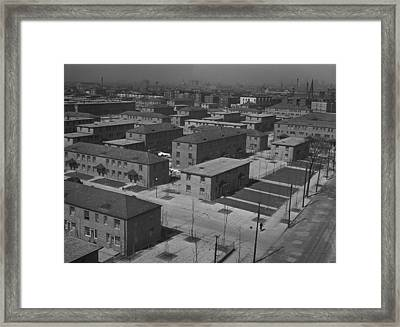 Chicagos Ida B. Wells Housing Project Framed Print by Everett