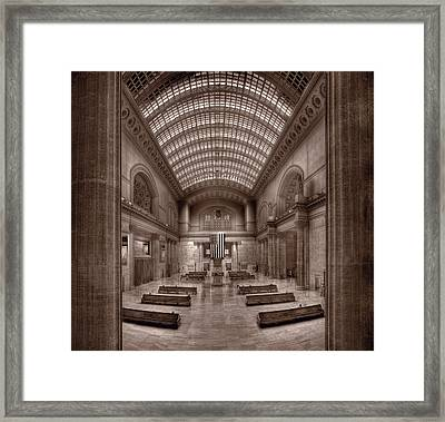 Chicagos Union Station Bw Framed Print by Steve Gadomski