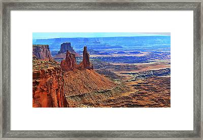 Chimney Rocks Of Canyonlands Np Utah Framed Print by Gary Baird