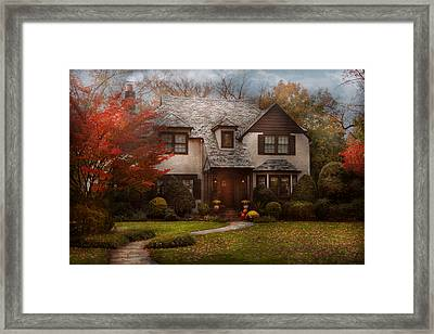 Cottage - Westfield Nj - The Country Life Framed Print by Mike Savad