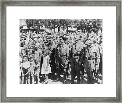 Crowd Of Germans Adults And Children Framed Print by Everett