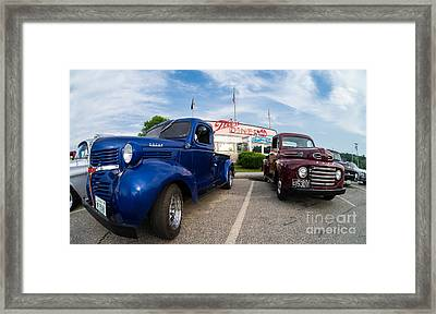 Cruise Night At The Diner Framed Print by Edward Fielding