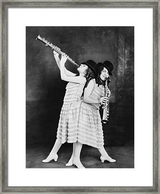 Daisy And Violet Hilton 1908-1969 Framed Print by Everett