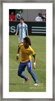 David And Goliath Lionel Messi And Neymar Junior Framed Print by Lee Dos Santos