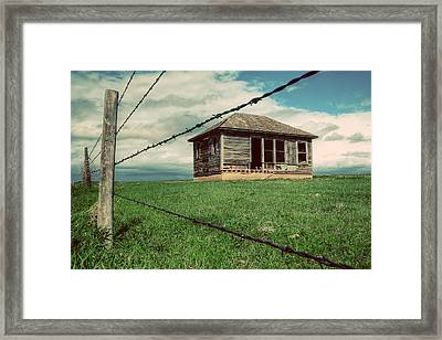 Derelict House On The Plains Framed Print by Thomas Zimmerman