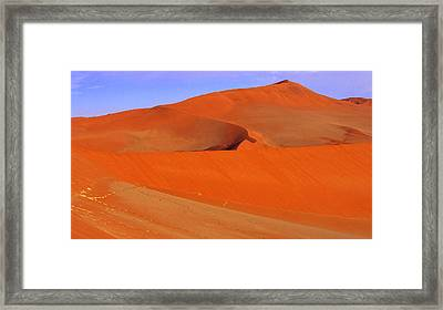 Dunes Framed Print by Len Combrinck
