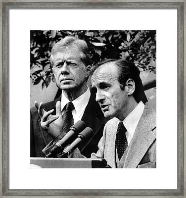 Elie Wiesel, Chairman Of The Presidents Framed Print by Everett