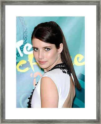 Emma Roberts In The Press Room For Teen Framed Print by Everett
