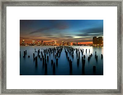 Evening Sky Over The Hudson River Framed Print by Larry Marshall