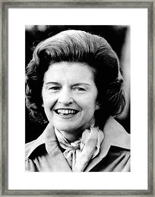 First Lady Betty Ford Talks To Newsmen Framed Print by Everett