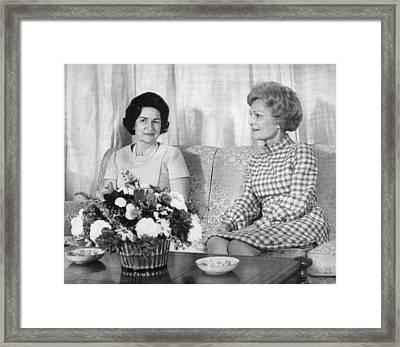 First Lady Lady Bird Johnson Meets Framed Print by Everett