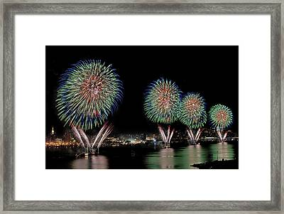 Fourt Of July In Nyc Framed Print by Susan Candelario