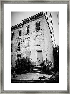 Glencoe-auburn Place In Cincinnati Ohio Framed Print by Paul Velgos