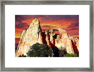 Grosvners Arch Framed Print by Marty Koch