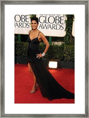 Halle Berry  Wearing A Nina Ricci Gown Framed Print by Everett