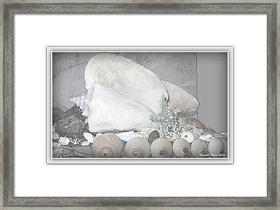 Her Majesty  Framed Print by Danielle  Parent