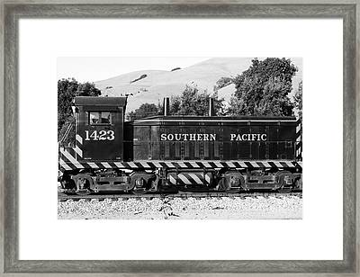 Historic Niles Trains In California . Southern Pacific Locomotive . 7d10829 . Bw Framed Print by Wingsdomain Art and Photography
