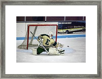 Hockey The Big Reach Framed Print by Thomas Woolworth