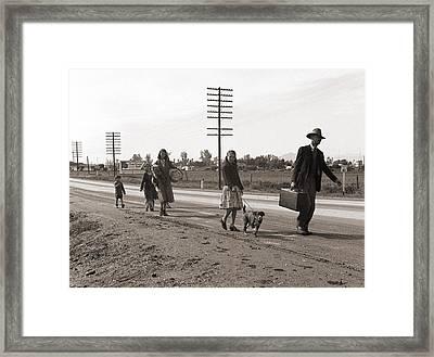 Homeless Migrant Family Of Seven Framed Print by Everett