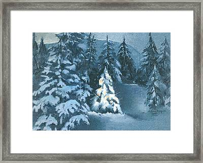 In The Spotlight Framed Print by Arline Wagner
