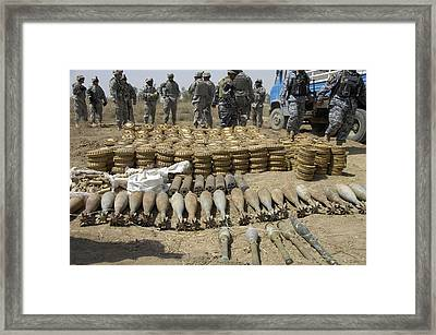 Iraqi National Police And Us Soldiers Framed Print by Everett