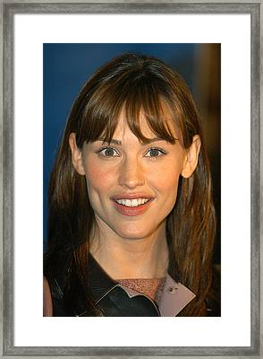 Jennifer Garner At The Childrens Framed Print by Everett