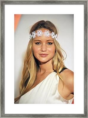 Jennifer Lawrence At Arrivals For 6th Framed Print by Everett