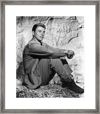 John Loves Mary, Ronald Reagan, 1949 Framed Print by Everett
