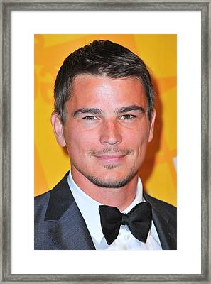 Josh Hartnett At Arrivals For El Museo Framed Print by Everett
