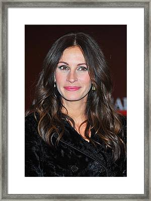 Julia Roberts At Arrivals For Glamour Framed Print by Everett