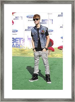 Justin Bieber At Arrivals For 2011 Bet Framed Print by Everett