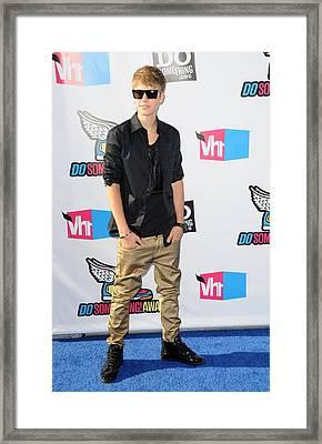 Justin Bieber At Arrivals For 2011 Vh1 Framed Print by Everett