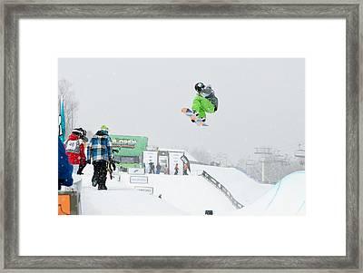 Kelly Clark Womens U S Snow Boarding Open 2011 Framed Print by Linda Pulvermacher