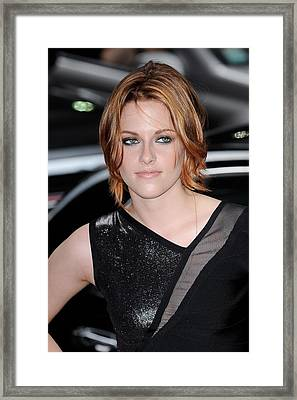 Kristen Stewart, Visits The Late Show Framed Print by Everett
