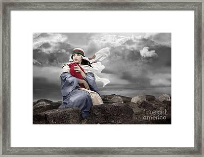 Leaving Bethlehem Framed Print by Cindy Singleton