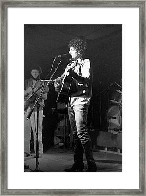 Lonesome L.a. Cowboy Framed Print by Susan Carella
