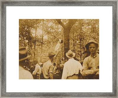 Lynching Of Leo Frank 1884-1915 Framed Print by Everett