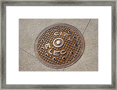 Manhole Cover In Chicago Framed Print by Mark Williamson