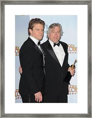Matt Damon And Robert De Niro Framed Print by Everett
