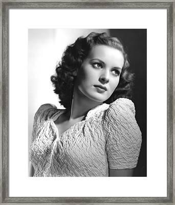 Maureen Ohara, 1940 Framed Print by Everett
