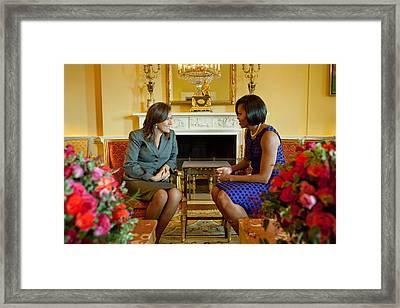 Michelle Obama Greets Mrs. Margarita Framed Print by Everett