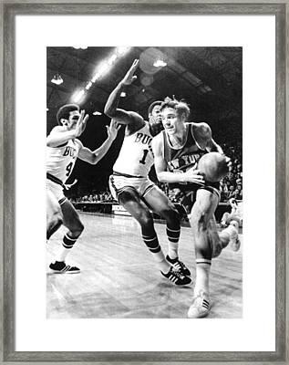 Ny Knicks Dave Debusschere Framed Print by Everett