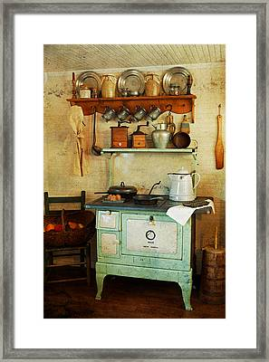 Old Cast Iron Cook Stove Framed Print by Carmen Del Valle