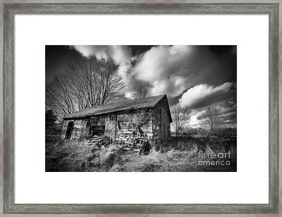 Old Dramatic Barn Hdr Framed Print by Joe Gee
