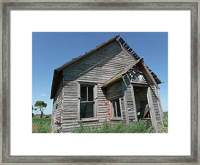 Old Farmhouse In North Dakota Framed Print by Brian  Maloney