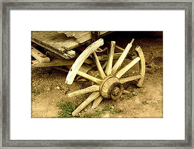 Old Wagon Wheel Framed Print by Susie Weaver