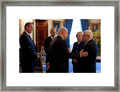 Palestinian-israeli Talks At The White Framed Print by Everett